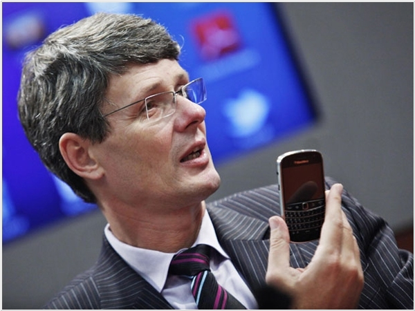 Blackberry's survival plan: Enterprise, HTML5 and messaging